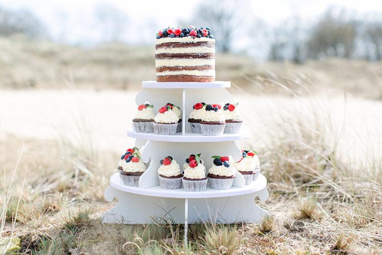 Torte Mit Cupcakes Naturlich Schon Mundus