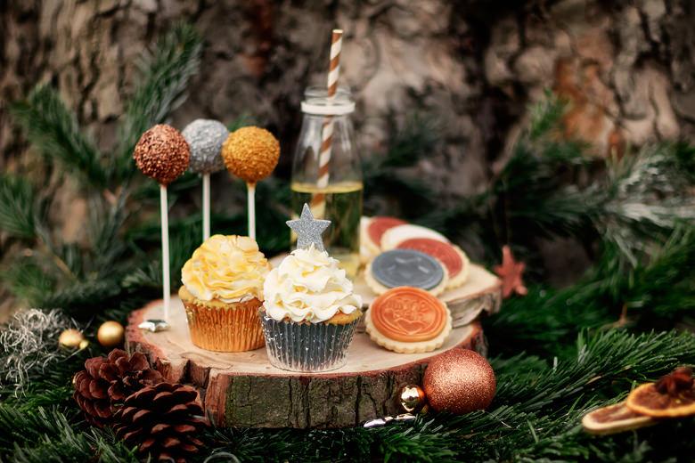 weihnachts cupcakes und cake pops mundus. Black Bedroom Furniture Sets. Home Design Ideas